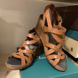Clarks Star Mello Sandal in Brown